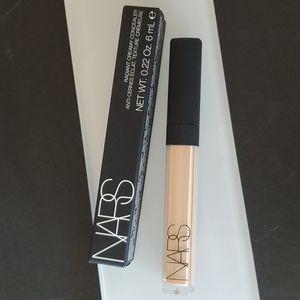 NARS Radiant Creamy Concealer - medium 1 CUSTARD